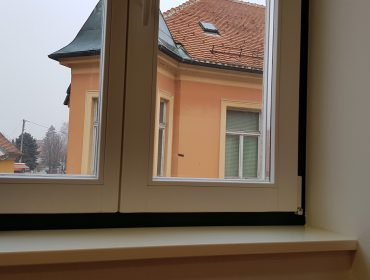 drveni prozor